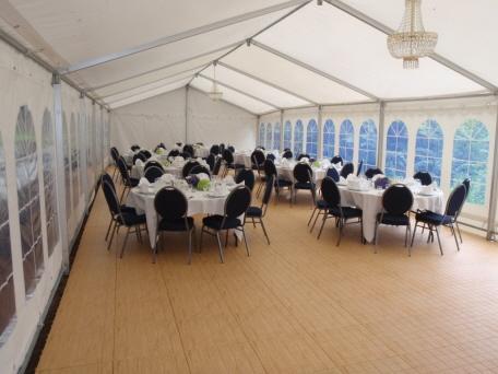 Festzelt mit Zeltboden Typ EXPO-tent in Eiche hell